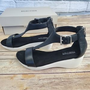 Kenneth cole new gal platfrom tstrap sandal wedge